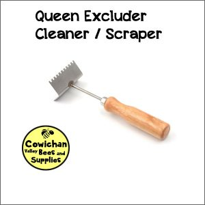 Queen excluder cleaner scraper
